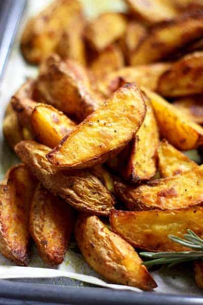 Easy-Baked-Potato-Wedges-Closeup side dish