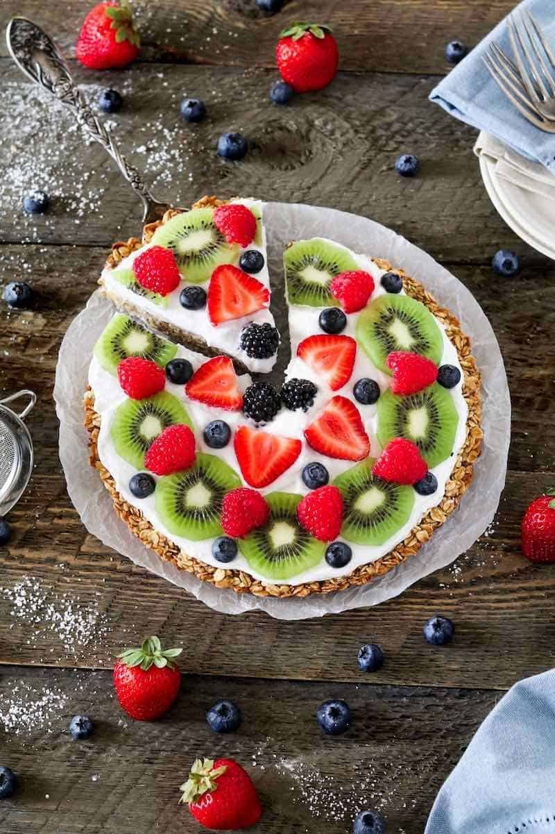 healthy fruit pizza for Mothers Day Brunch