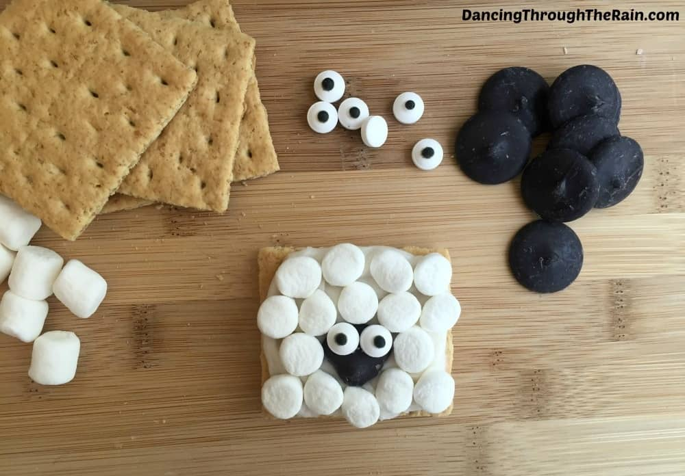 Fun Snacks For Toddlers - Sheep Graham Crackers