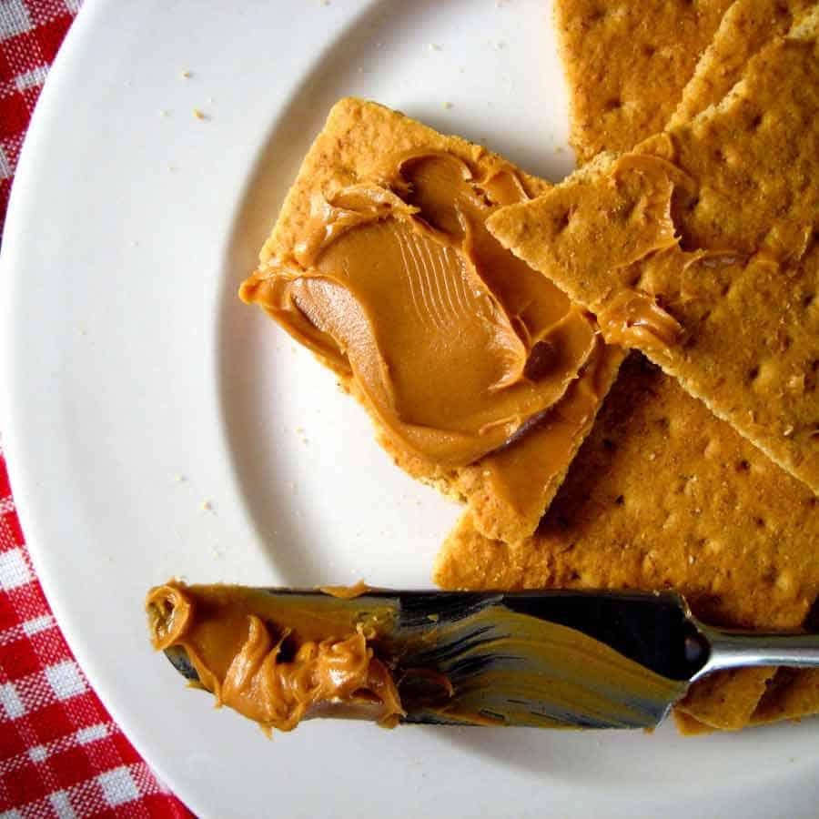 graham cracker and peanut butter
